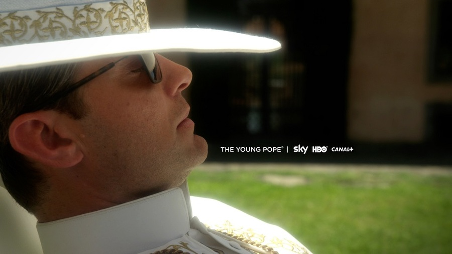 the-young-pope---first-official-photo---copyright-sky,-hbo,-wildside-201..._tb900