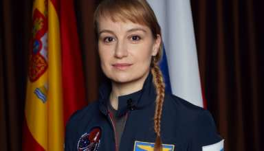 Anamaria Marinca as Marta Kamen an exobiologist and geologist.  The global event series MARS premieres on the National Geographic Channel in November 2016.  (photo credit: National Geographic Channels/Robert Viglasky)